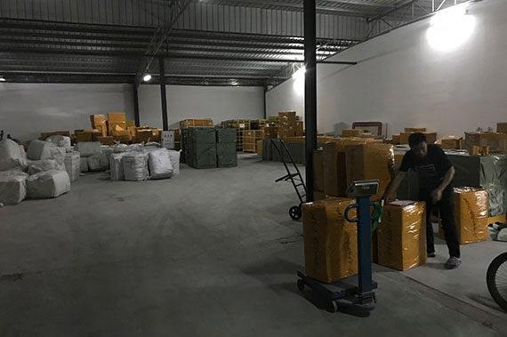 Склад в Китае