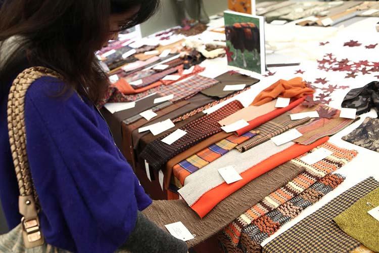 ткань, одежда, аксессуары и пряжа в Китае